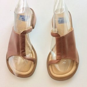 Piu di Servas Tan Leather Sandals Size 5.5 EUC